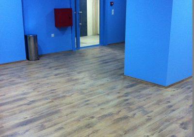 Συνθετικό πάτωμα laminate στο ιεκ ΑΚΜΗ (2)